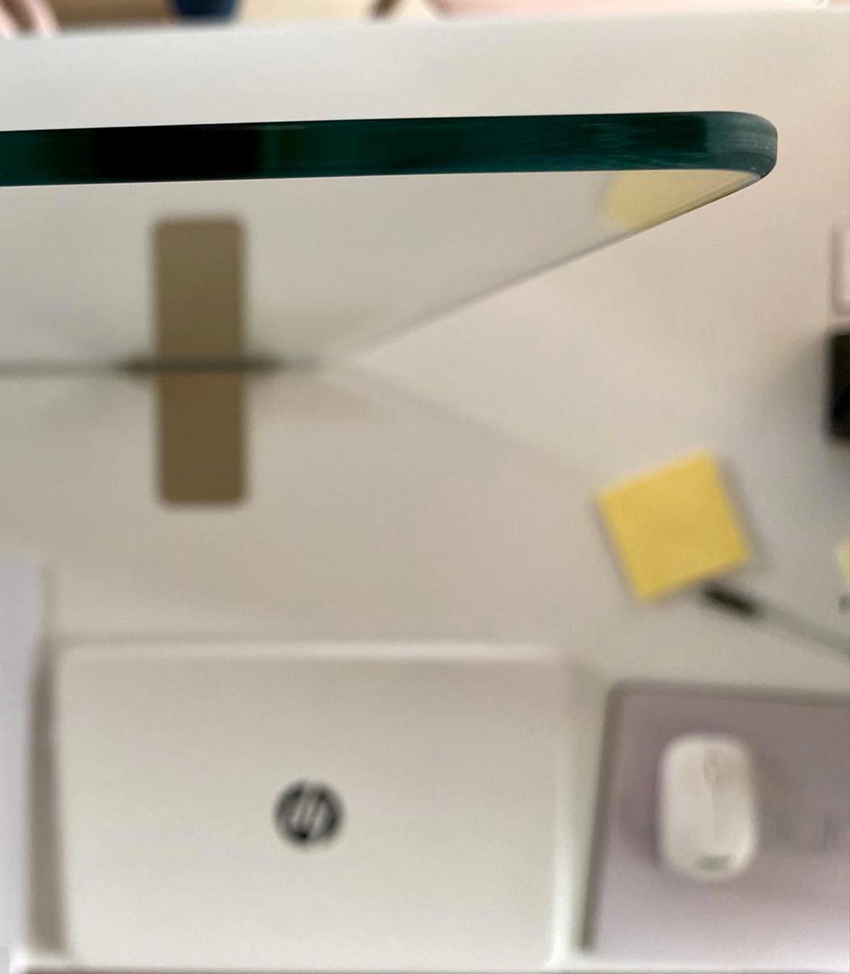 Divisorio in vetro temperato protezione covid-19 per uffici